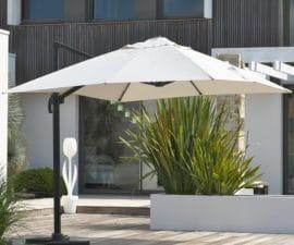un parasol déporté